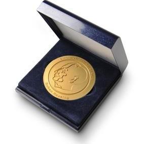 Medalj i etui